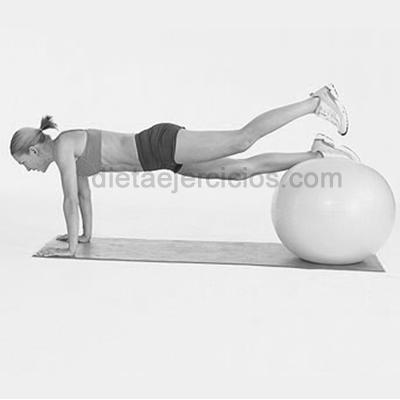 ejercicios abdominales con bolas gigantes